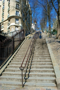 these stairs remind me so much of the Georgetown stairs featured in The Exorcist. that's all.