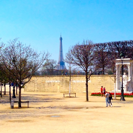 la Tour Eiffel from afar
