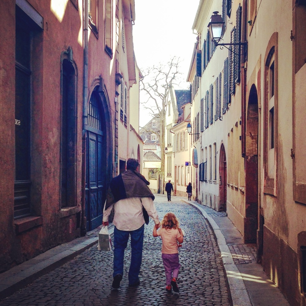 the trip wouldn't have been complete without a daddy/daughter stroll down the street where Daddy used to live.t!