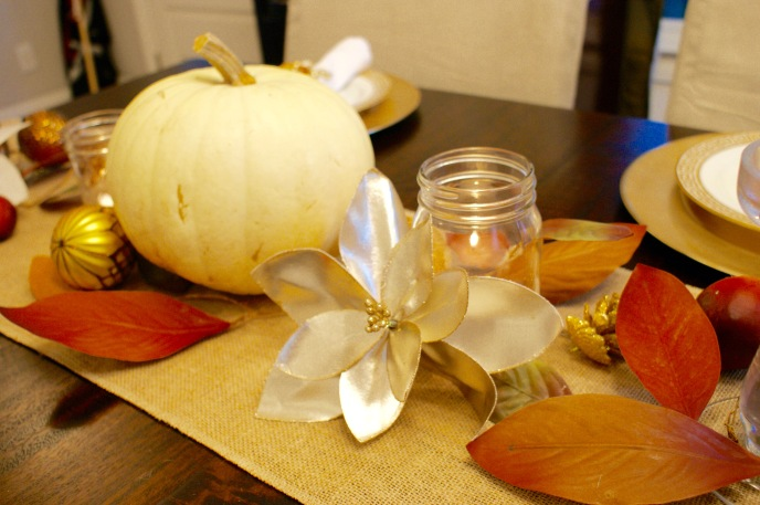 Thanksgiving table: gold & amber